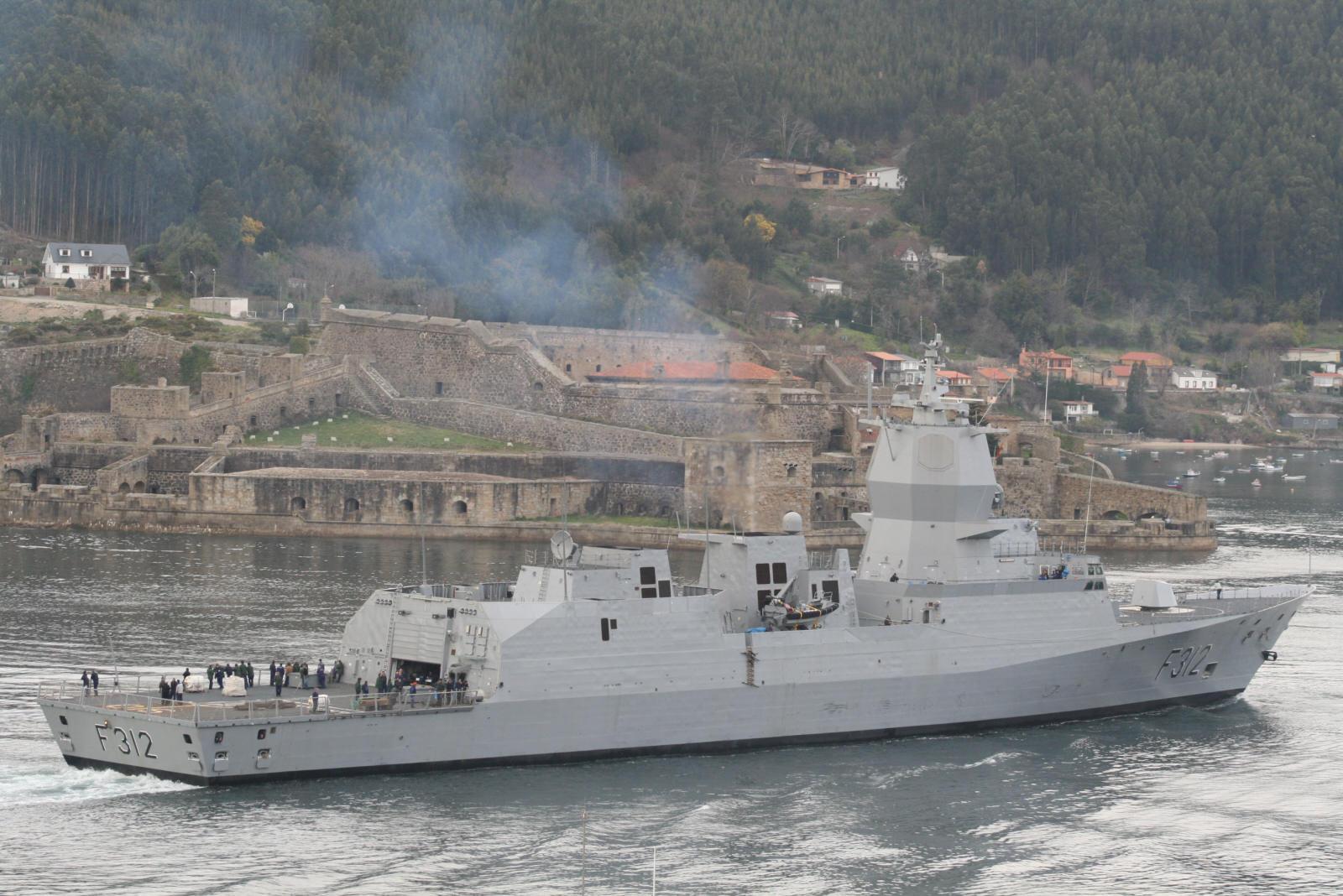 海军接收第二艘南森级F 311护卫舰