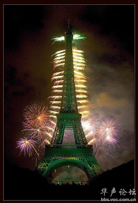 巴黎埃菲尔铁塔的焰火图片