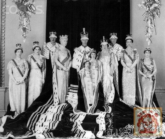 请看 宝座上的国王形形色色图片