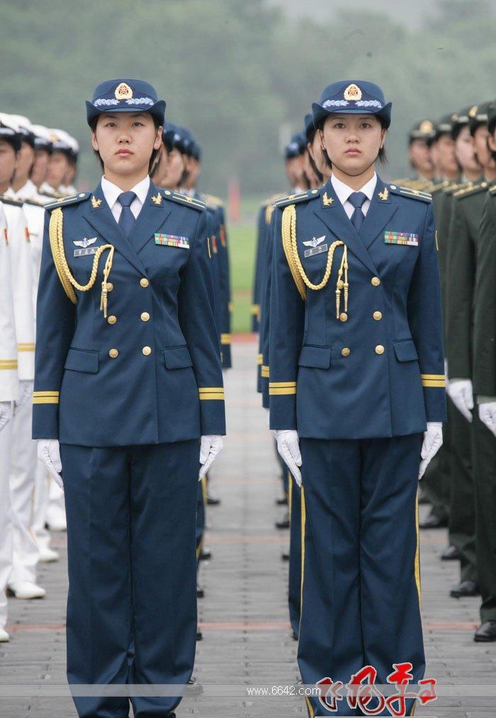 关于07式军装的几个疑问 1. 士官常服和军官常服有什么区别 2. 学员 国图片