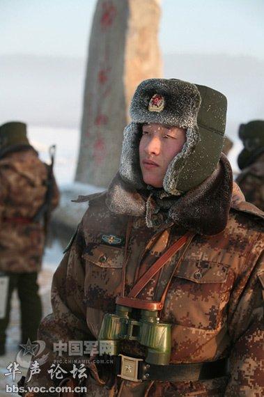 解放军边防军人驻守北极寒区