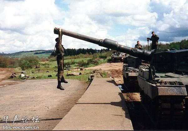 军事资讯_与坦克有关的军事幽默图 - 军事贴图 - 华声论坛
