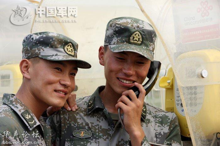 走近受阅部队 男兵可爱女兵漂亮图片