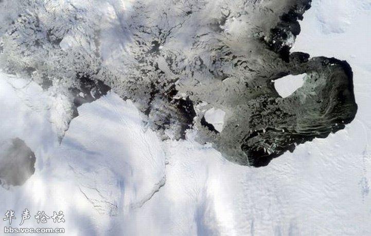 奇美壮观的地球水冰卫星俯瞰图图片