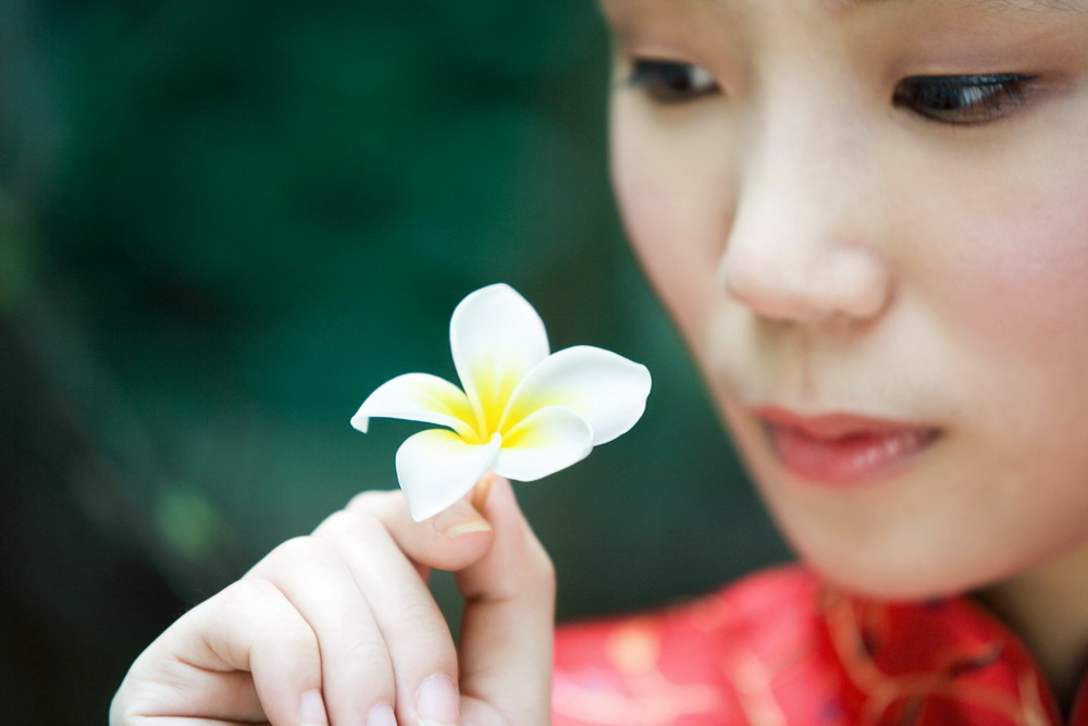 东方文化 老人 女人背影