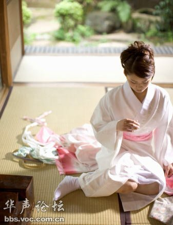 日本美女和服里的秘密图片