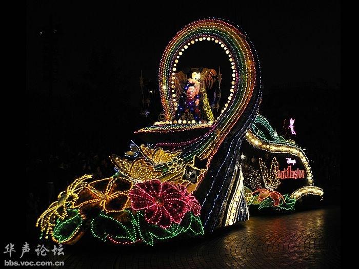 迪士尼乐园表演时间_童话里的christmas 迪士尼乐园的圣诞节之夜(第二页) - 华声房产 ...