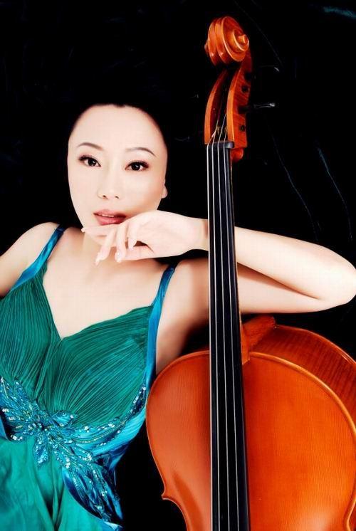 美女大提琴李维