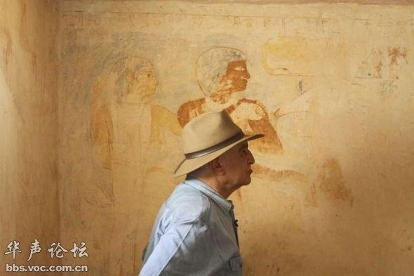 埃及金字塔附近发现4000多年前祭司墓图片