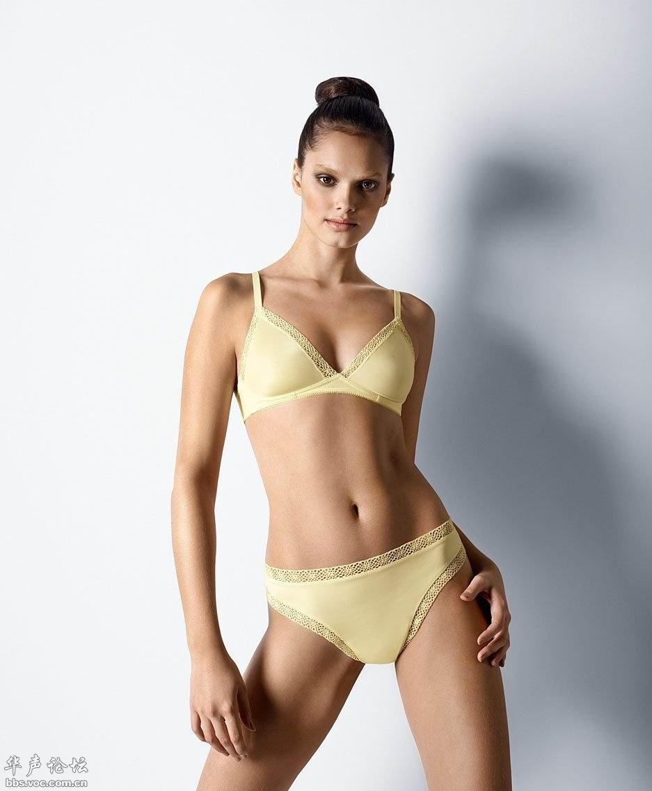 巴西超模性感内衣秀身材图片