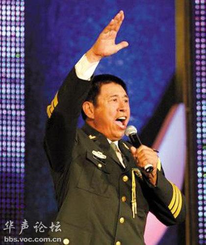 程志:总政歌舞团国家一级演员,副军级待遇.-哇 这些明星都是有军