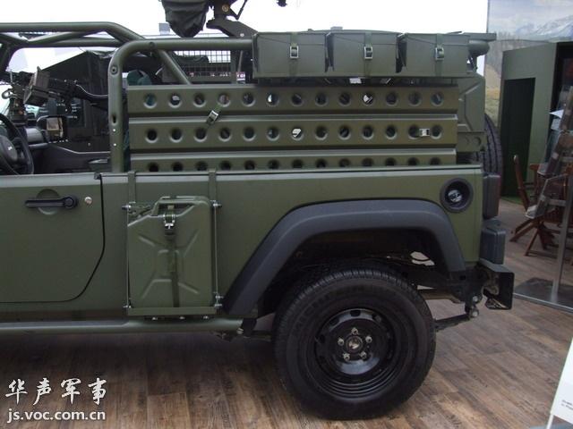 美国克莱斯勒汽车公司推出最新军用吉普高清图片