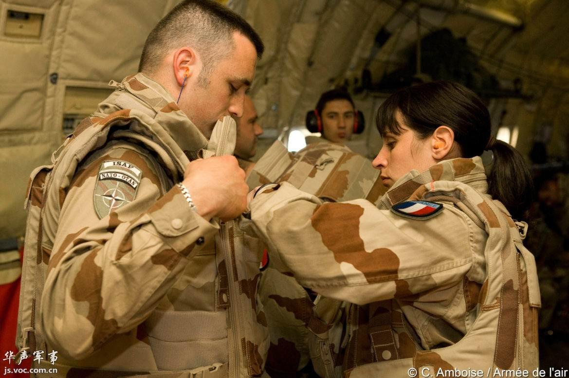 法军中的女人,还真顶了半边天
