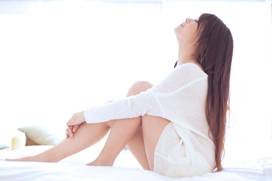 少妇床上�9��y�a_床上的少妇-美女贴图-华声论坛