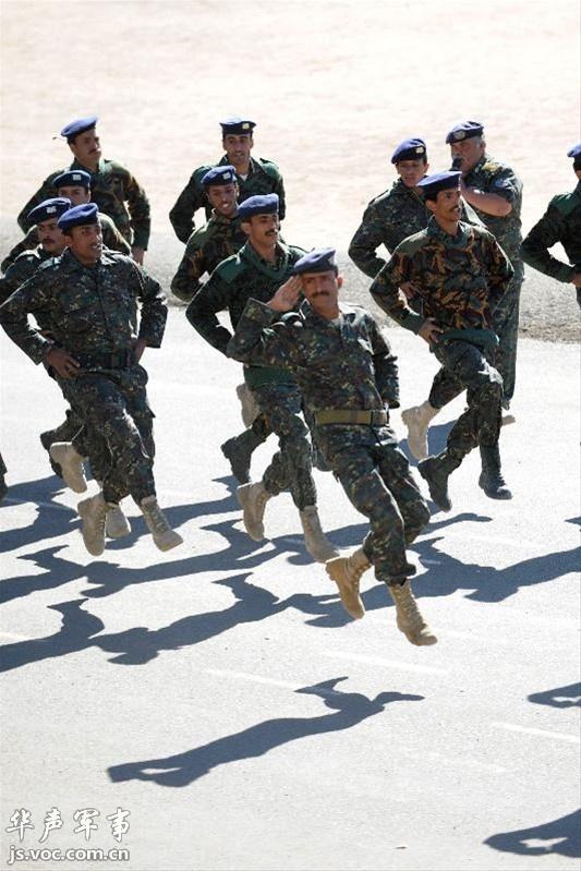 也门阅兵式,正步走得比朝鲜还销魂 - 军事贴图 - 华 ...