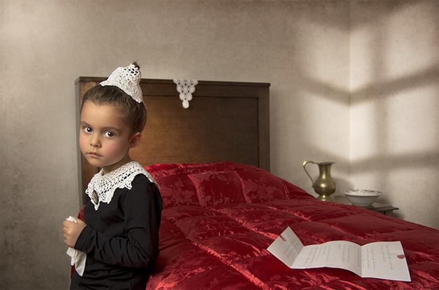摄影师18世纪油画风格儿童人像摄影图片