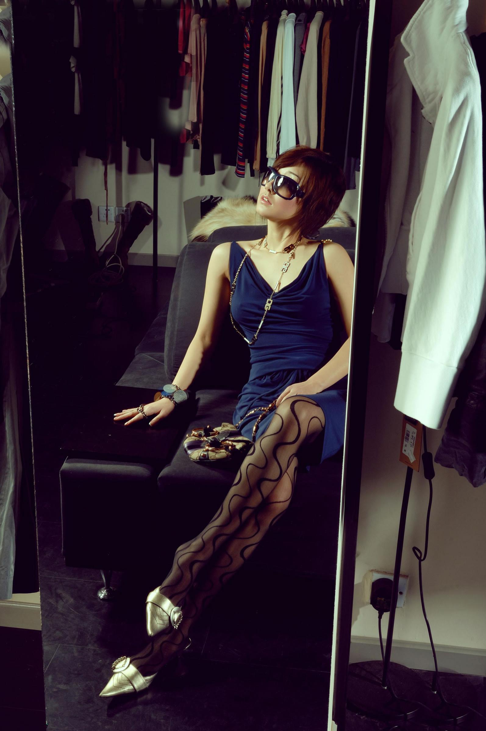 丽柜文化系列 玉足丝袜美腿. 之Kelly Lisa