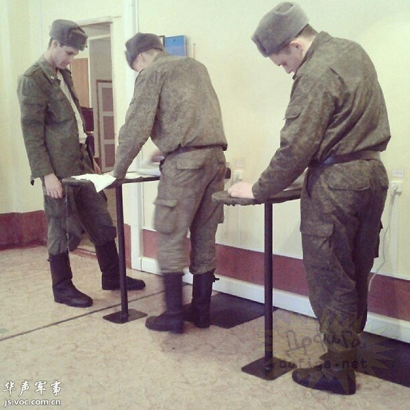 俄军士兵自曝军旅生活照图片