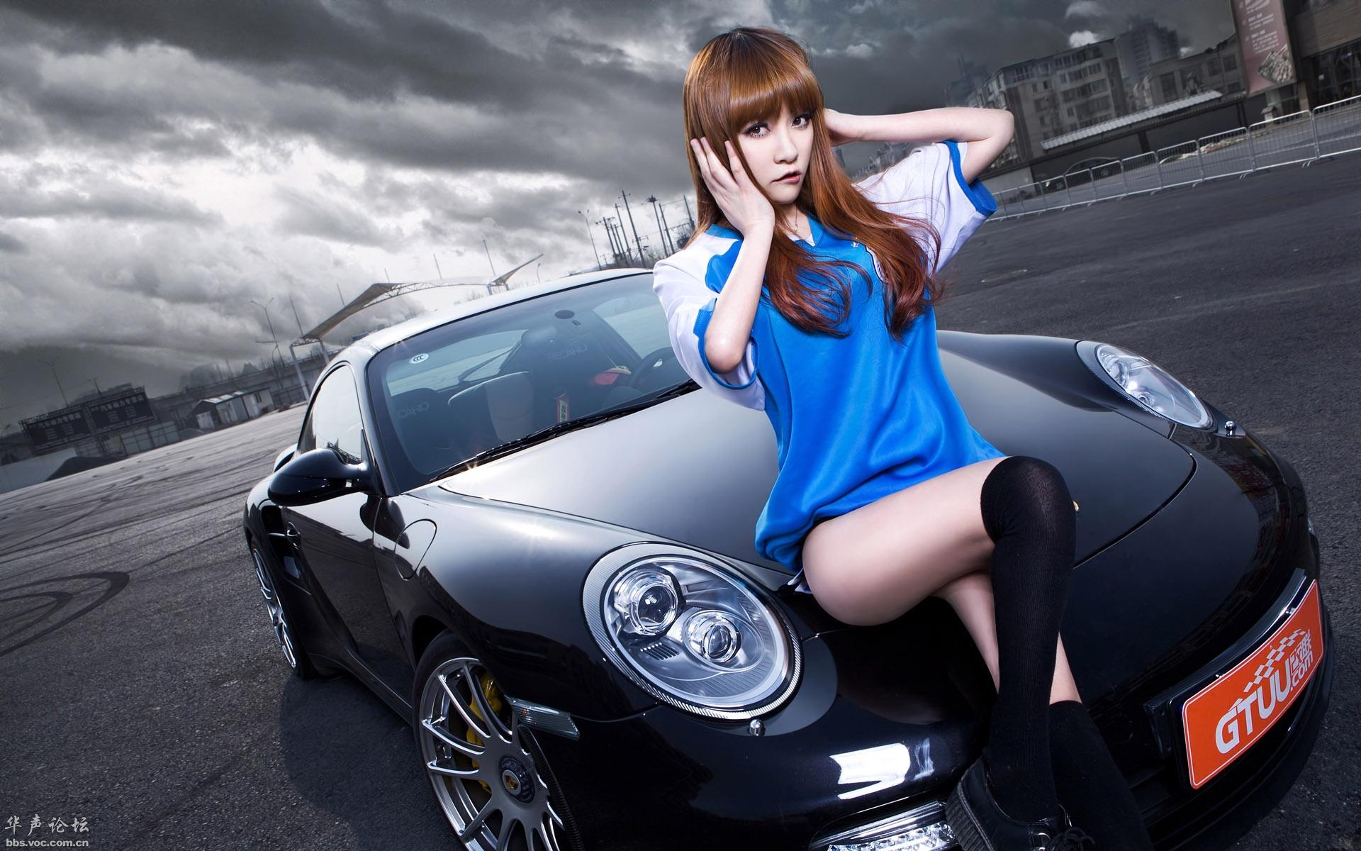 保时捷911turbo s 改装车美女模特宽屏壁纸高清图片