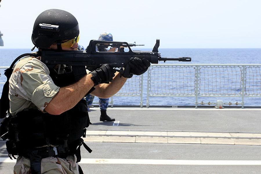 影中美演习中美特种部队 抓捕 中国水兵图片