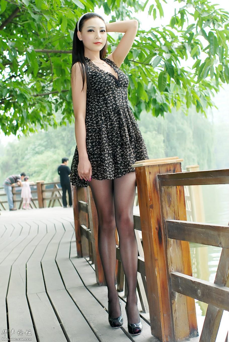 妇熟_迷人的长腿黑丝熟妇(页 1) - 美女贴图 - 华声论坛 -- 无图精简版