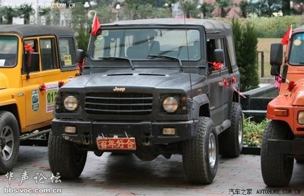 212系列越野车.勇士越野指挥车的研发则是由军方直接提出,但高清图片