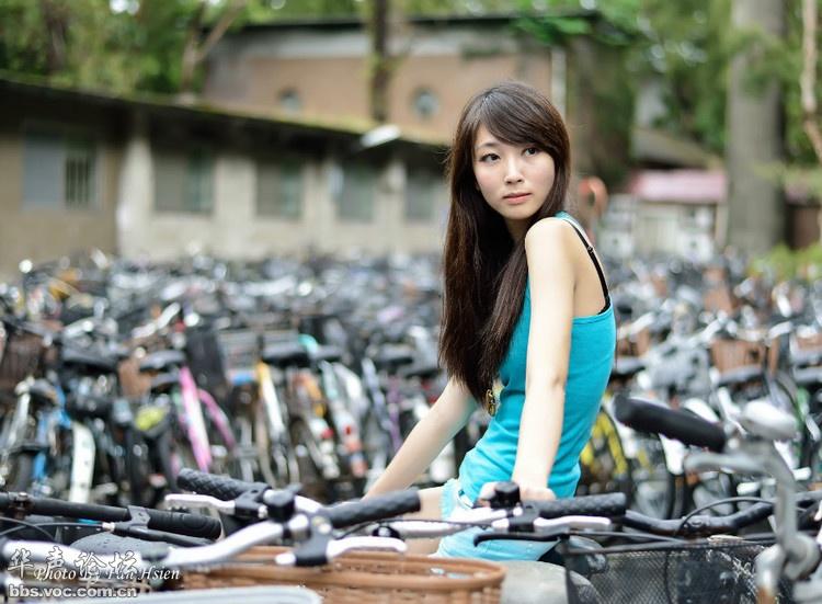 青春美女街拍图片