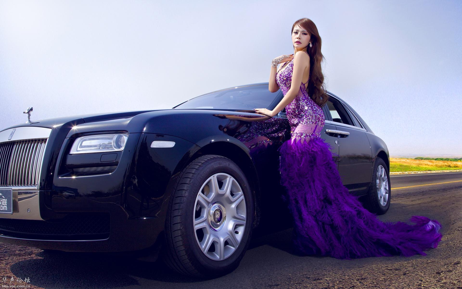 劳斯莱斯改装车美女模特宽屏壁纸高清图片