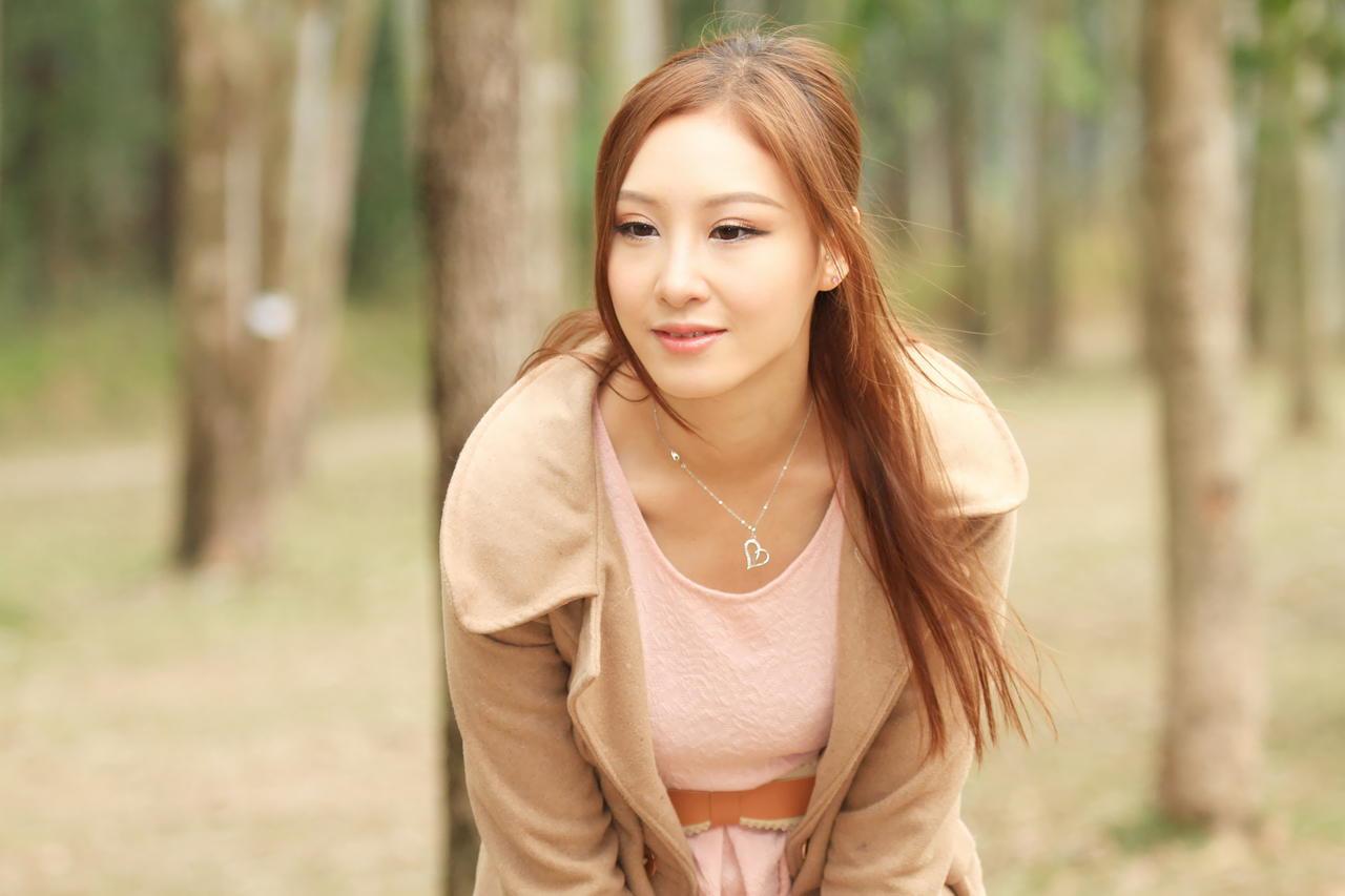 成熟美女性感养眼Stephanie Tam(3) [50P]j4zi3