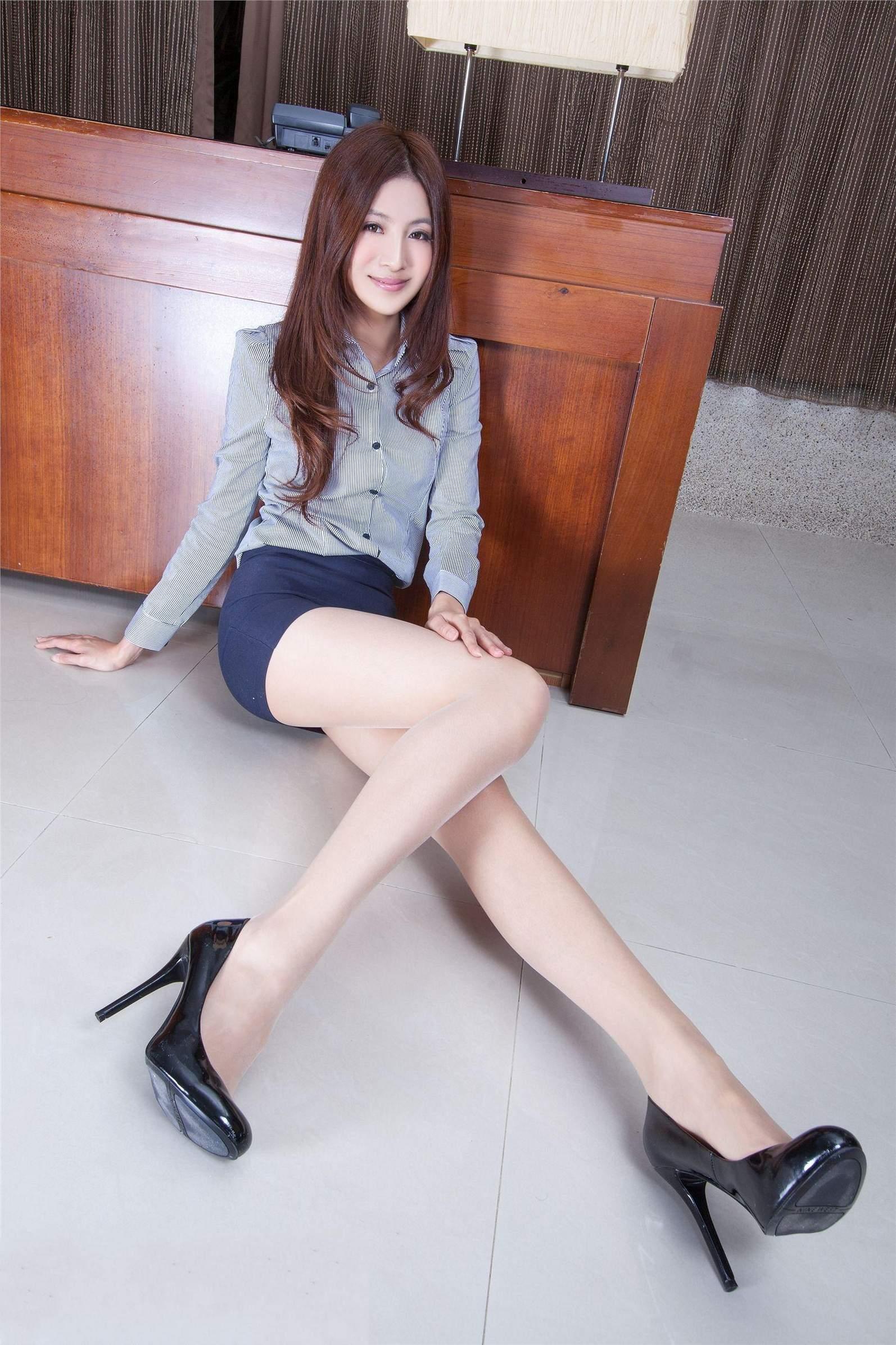 爱秀美腿秀Vicni4 - 花開有聲 - 花開有聲