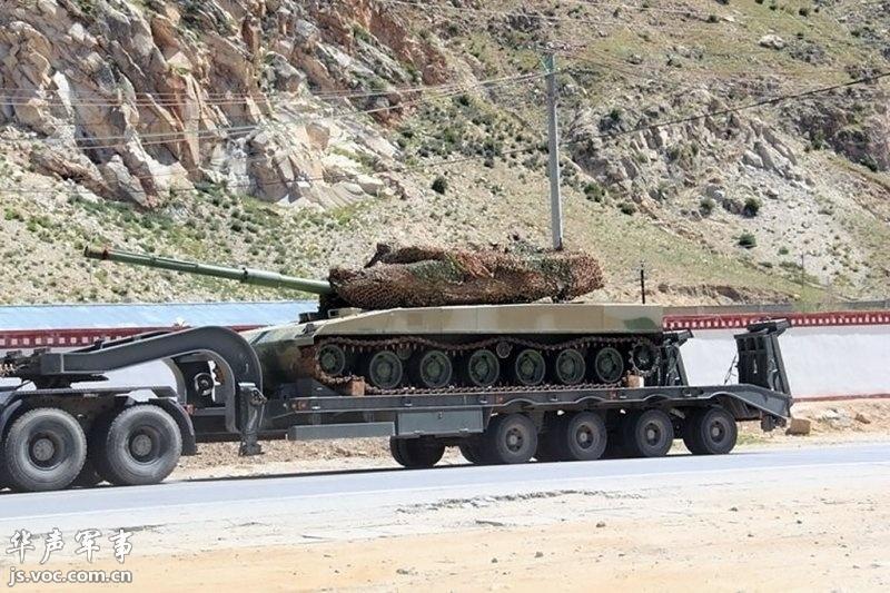 解放军新型坦克完整亮相