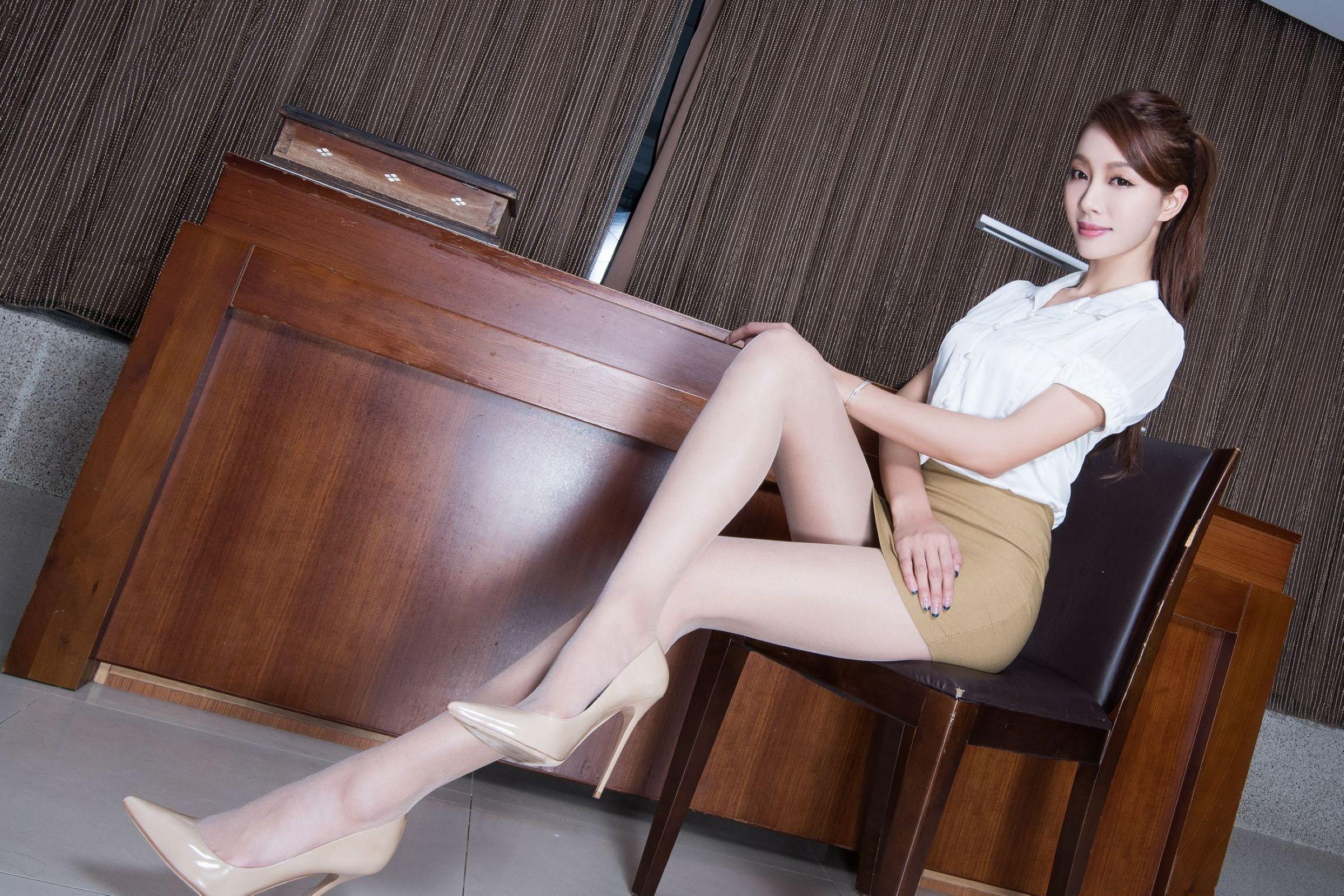 北彩美女美腿秀--Emma和FII[40P]h3633
