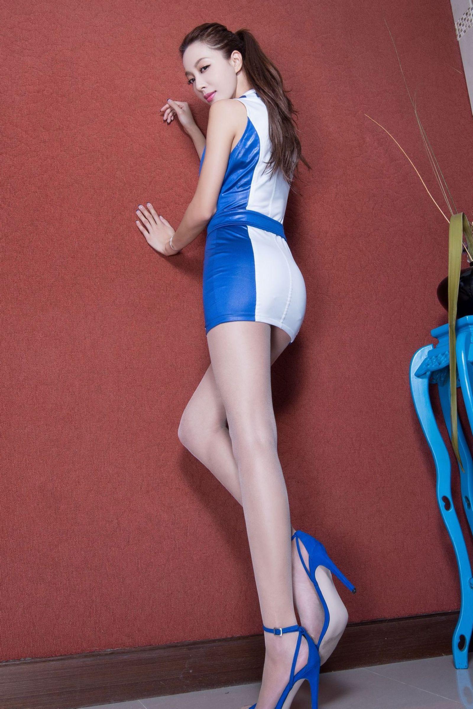 北彩美女美腿秀--Emma和FII[40P]yxg9G