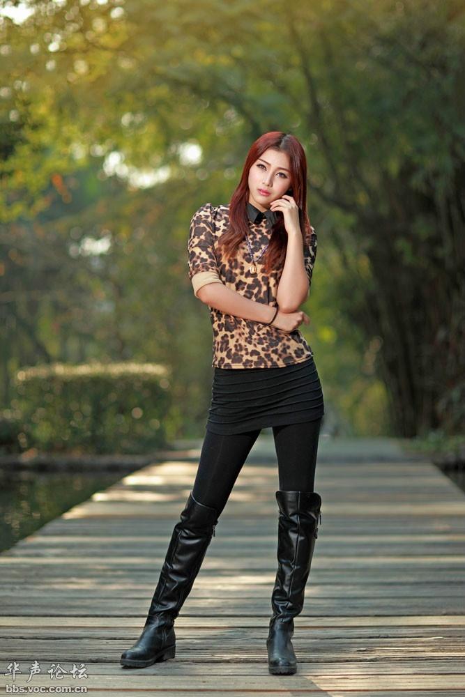 长皮靴女士_皮手套长筒皮靴美女图片展示_皮手套长筒皮靴美女相关图片下载