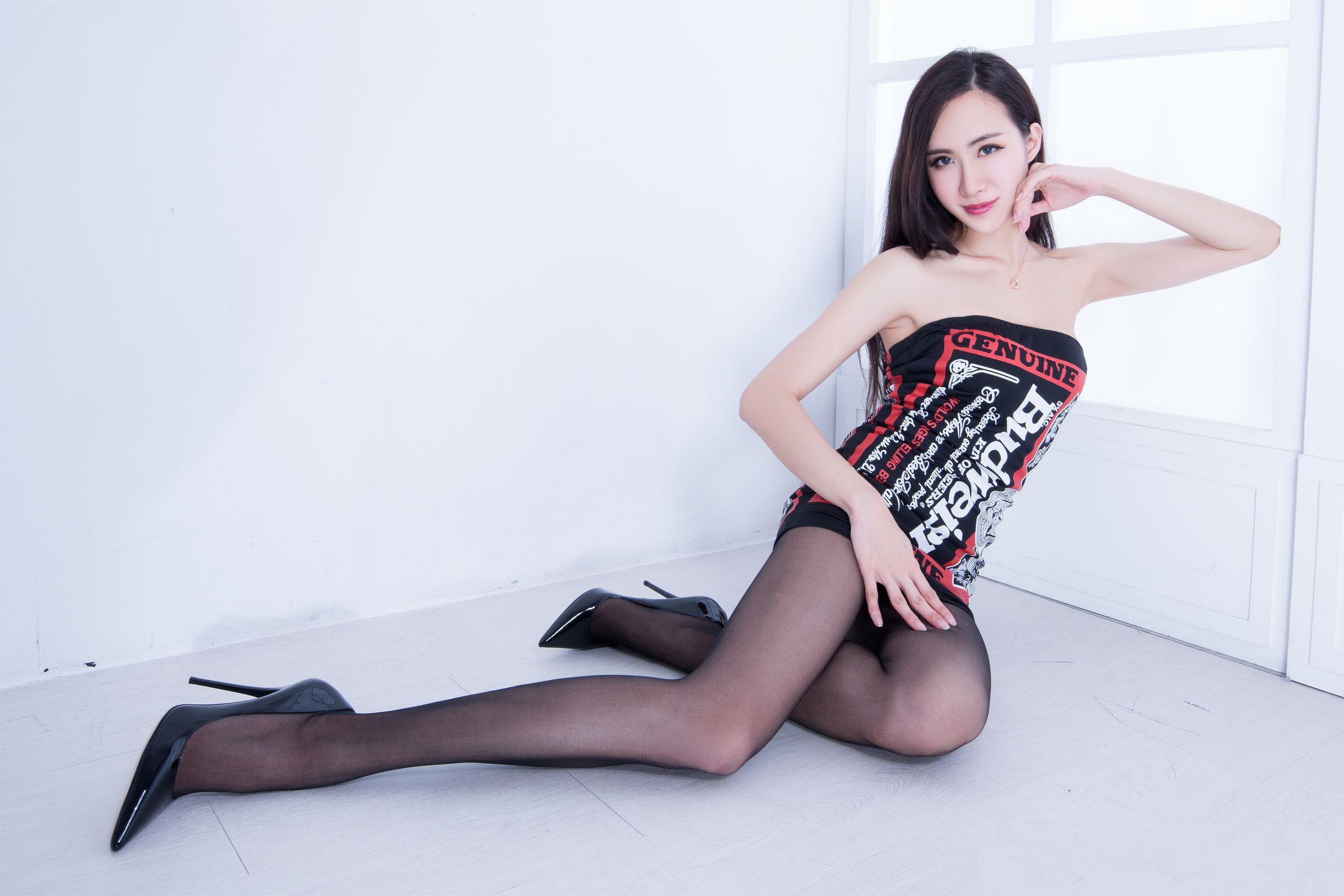 北彩美女美腿秀--Emma和FII[40P]SLW4w