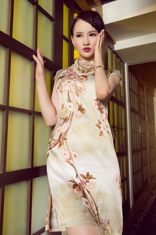 丽柜美模  肉丝旗袍 - 花開有聲 - 花開有聲
