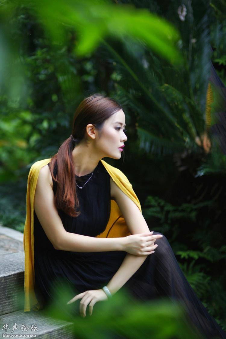 高贵典雅 黄衫黑裙 - 花開有聲 - 花開有聲