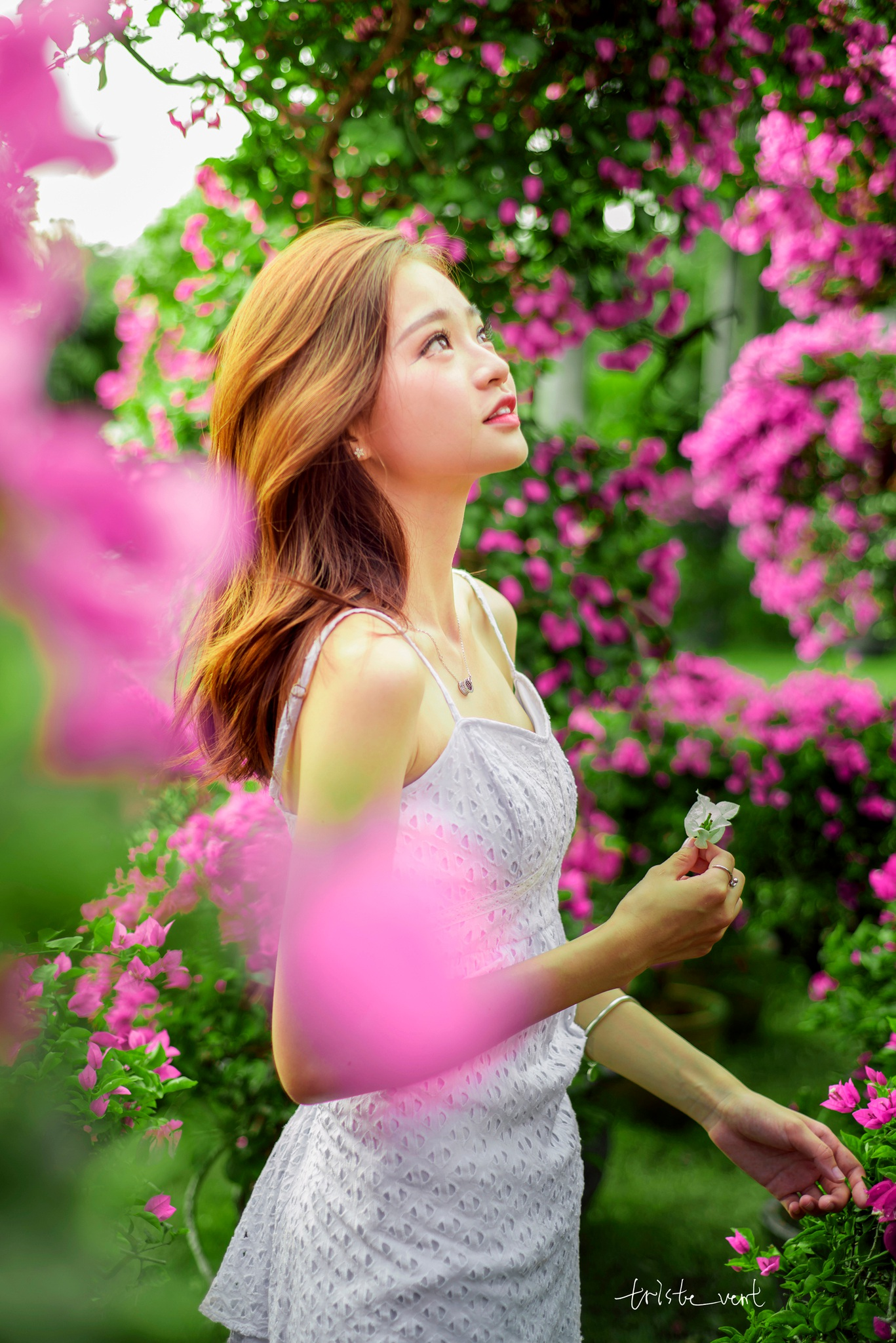 【人像摄影】烟雨江南又一春  - 花仙子 - heisemeigui的的博客