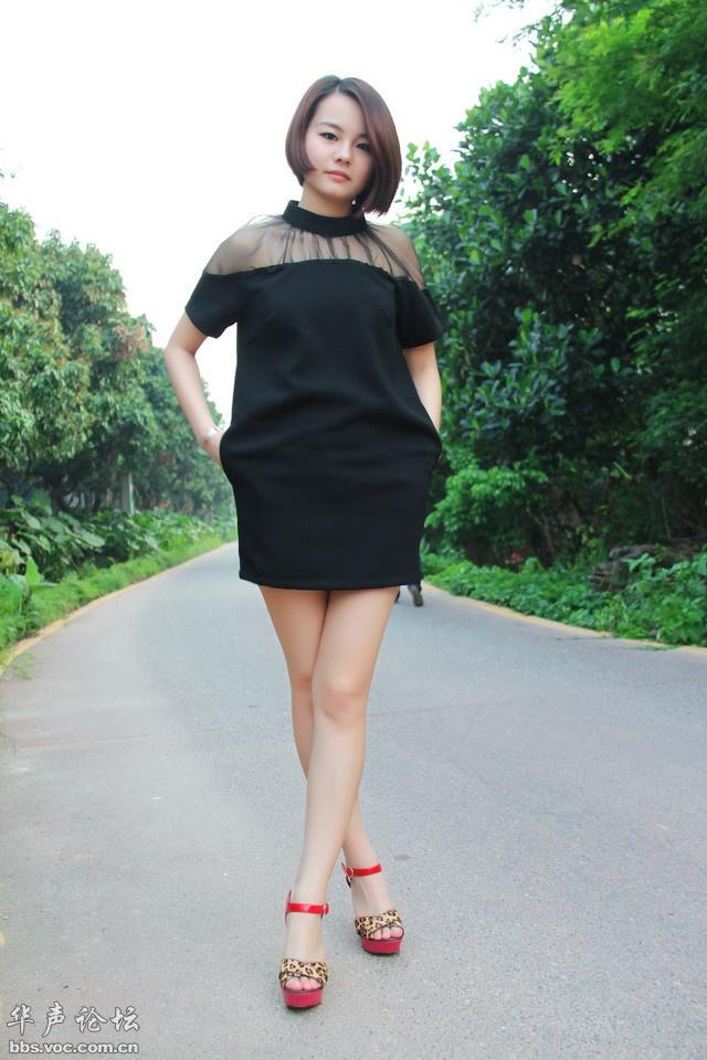 穿高跟鞋的嫩白美女 - 花開有聲 - 花開有聲