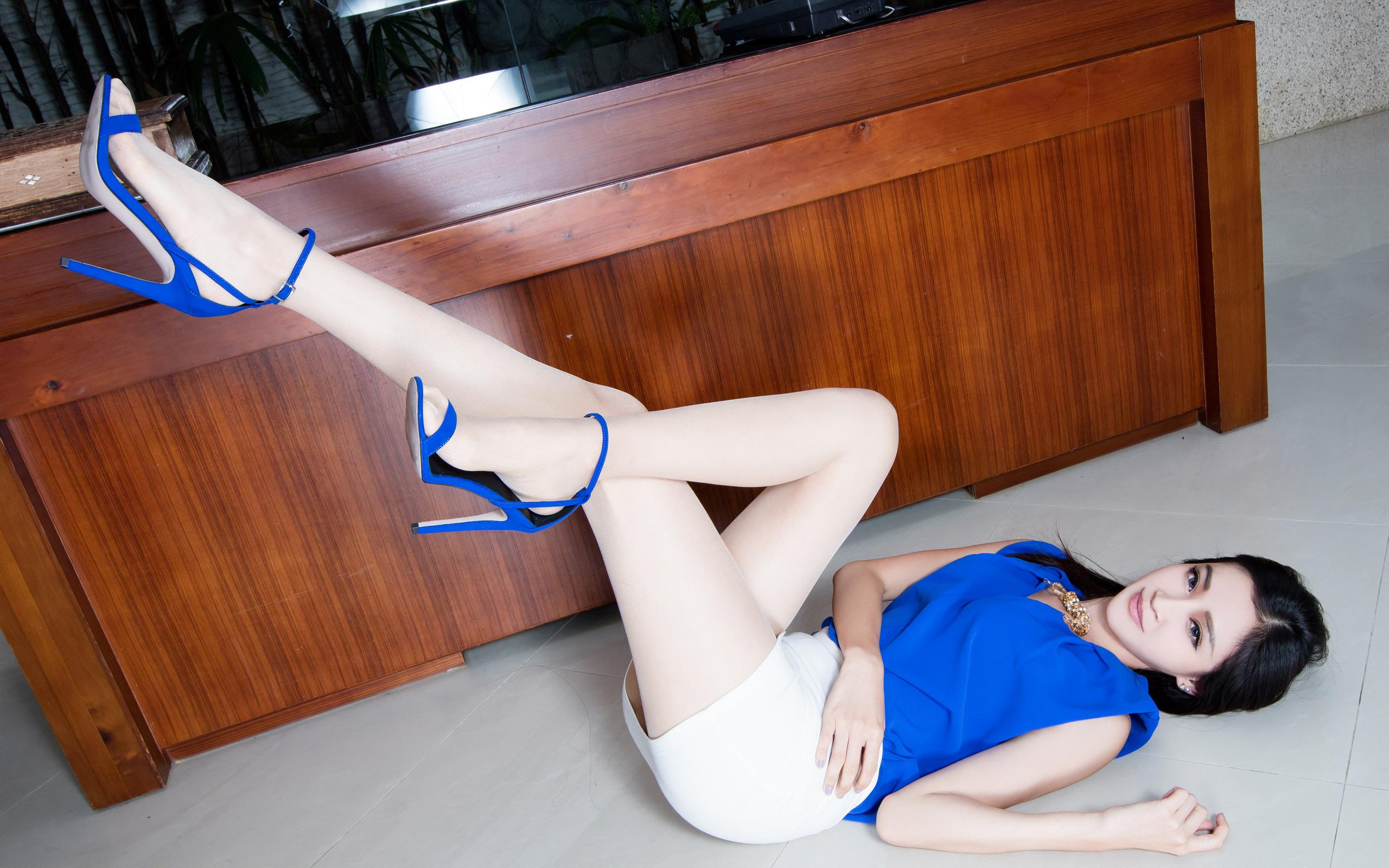 臺灣美腿美女Avril - 花開有聲 - 花開有聲