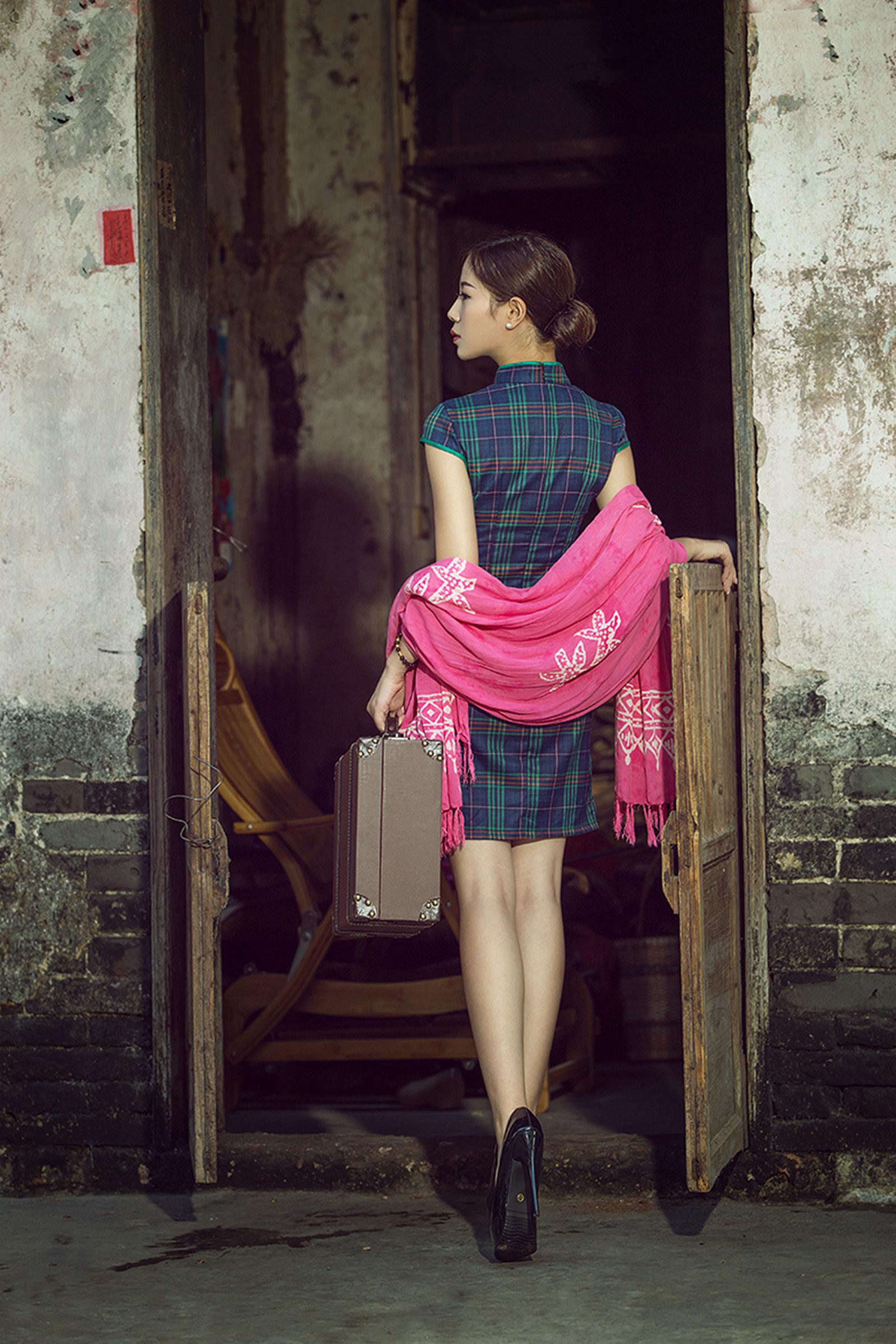 小镇记忆  格子旗袍 - 花開有聲 - 花開有聲