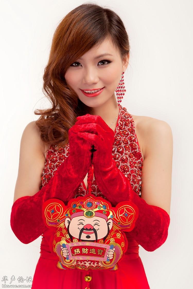 [贴图]红衣靓女贺新年