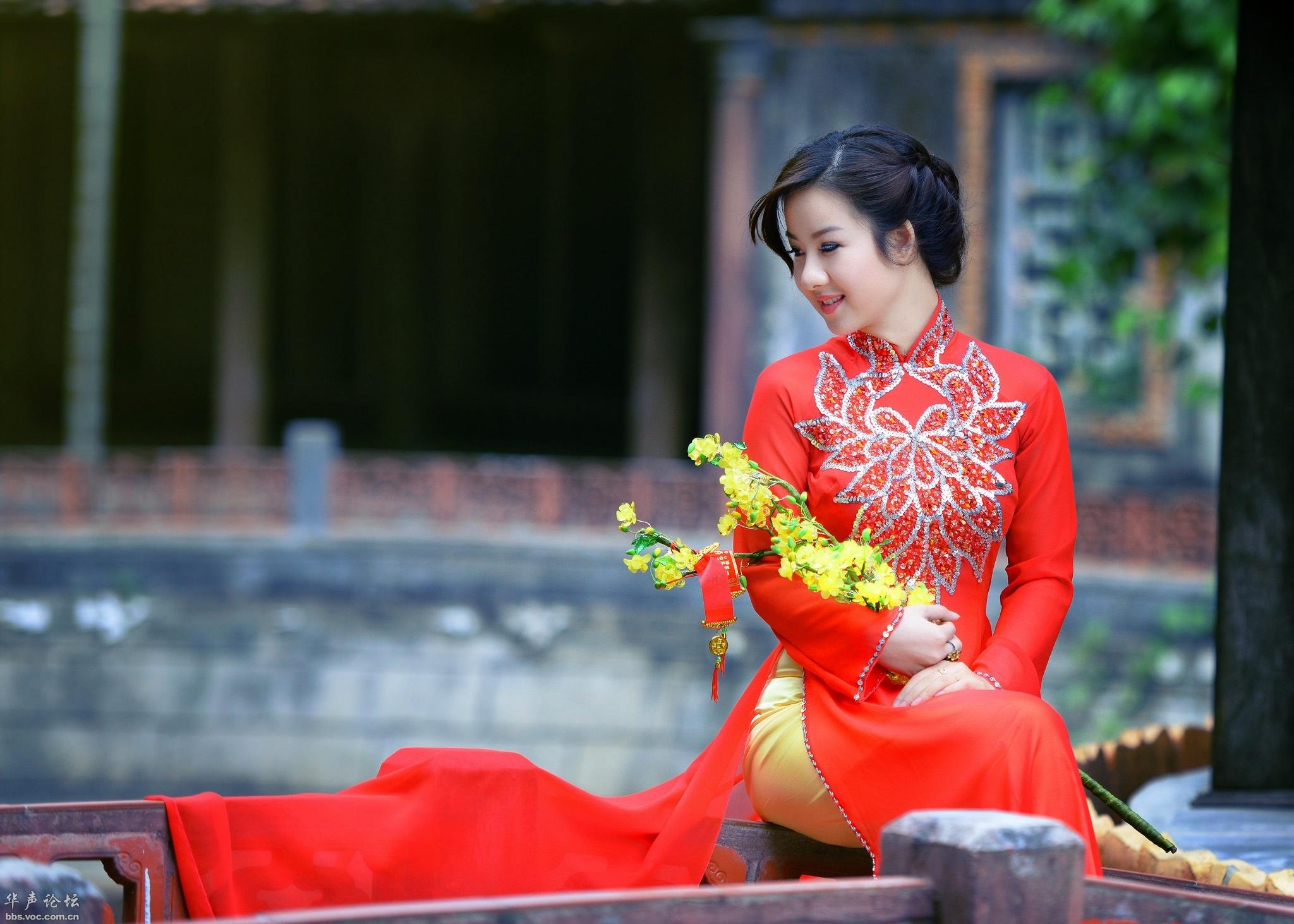 穿旗袍的越南美女 - 花開有聲 - 花開有聲