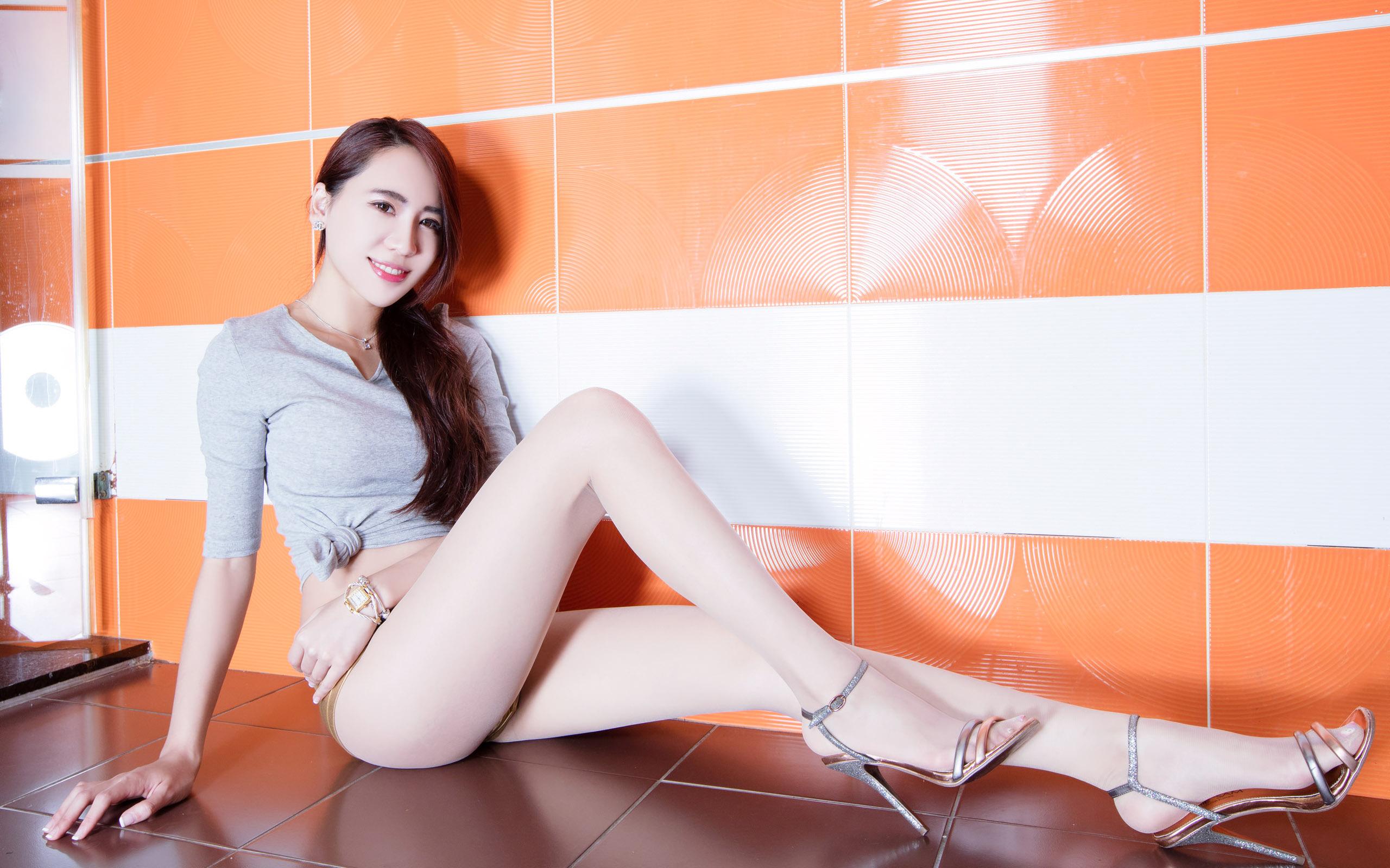 臺灣美腿美女Alice - 花開有聲 - 花開有聲