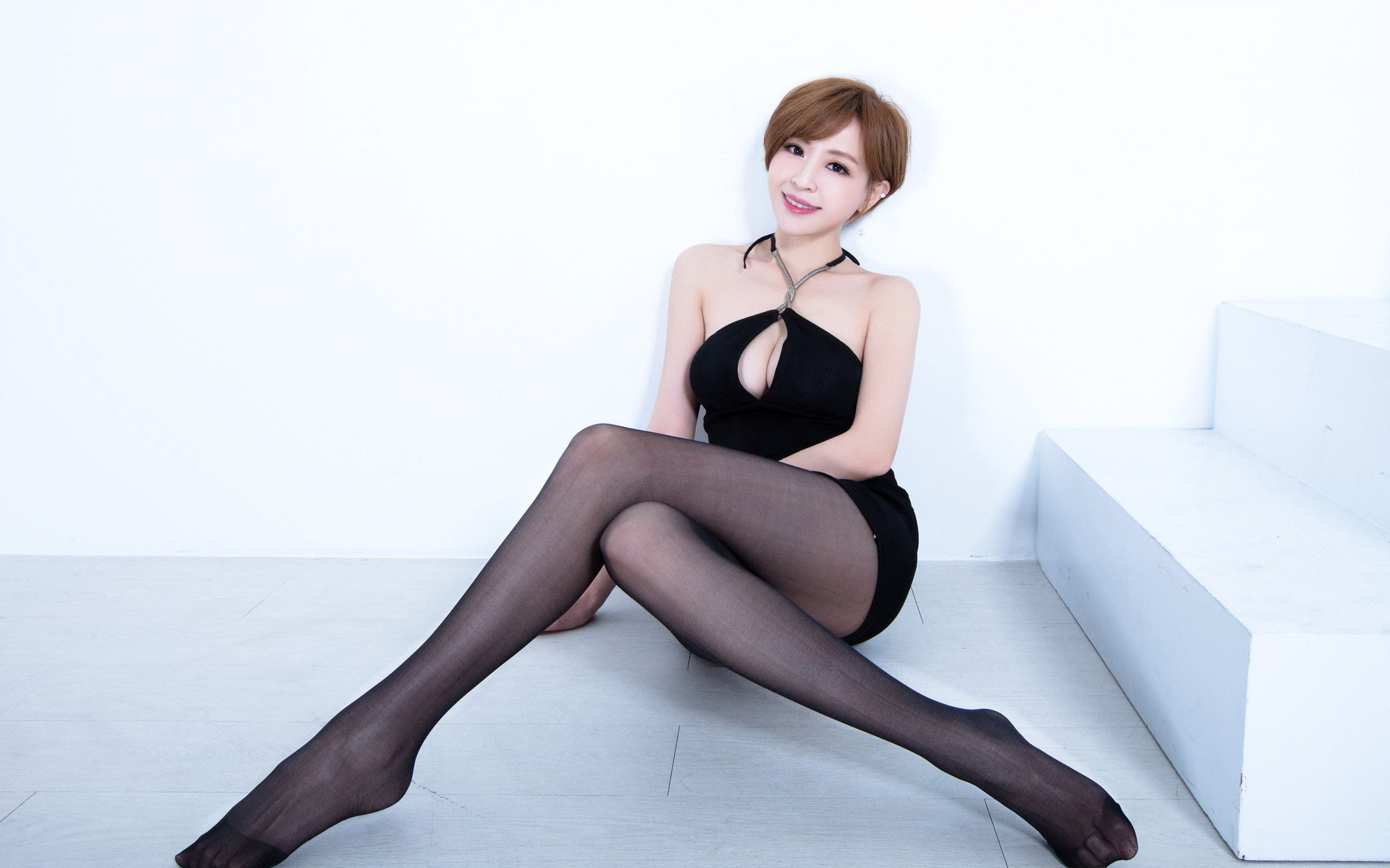 臺灣美腿美女Lucy - 花開有聲 - 花開有聲