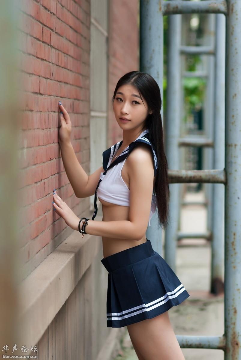 校园性感之美女 - 花開有聲 - 花開有聲