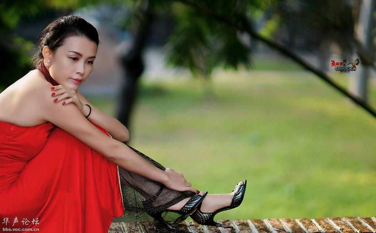 美美大红旗袍女郎 - 花開有聲 - 花開有聲