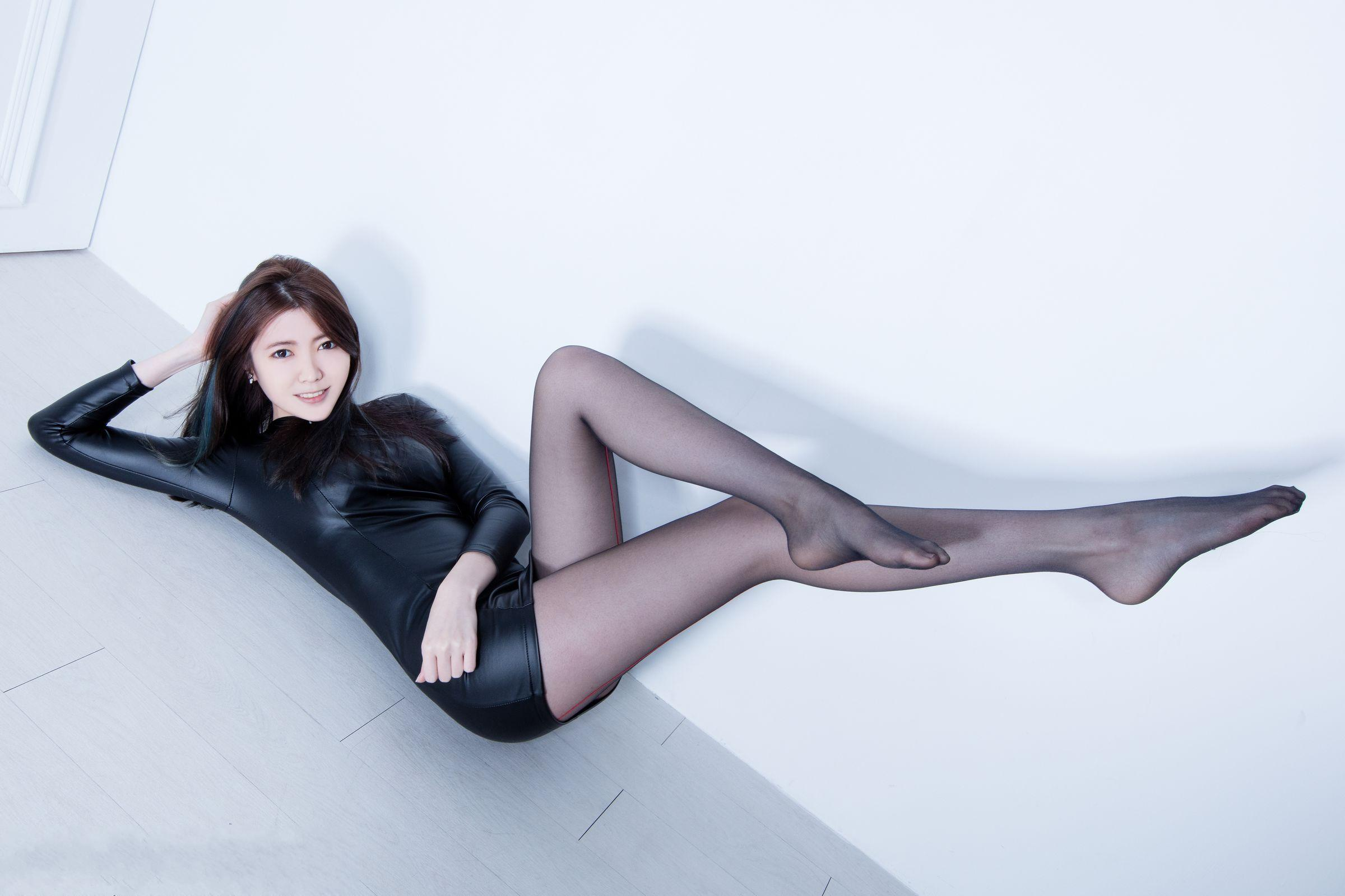 美女美腿秀Brindy1 - 花開有聲 - 花開有聲