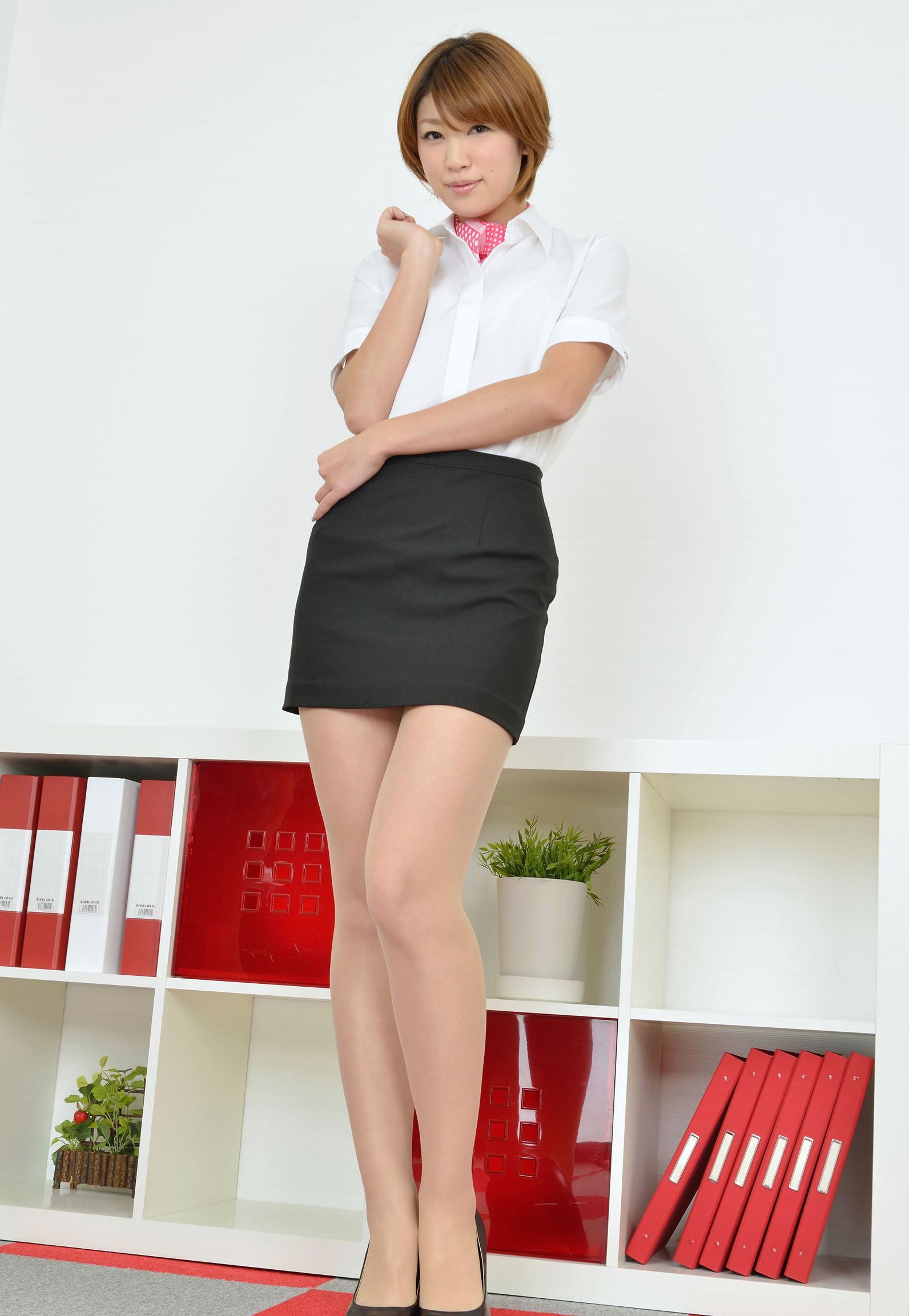 制服短裙  端庄白领 - 花開有聲 - 花開有聲