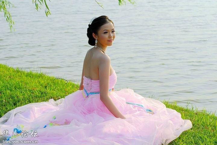 美丽新娘  公园外拍 - 花開有聲 - 花開有聲